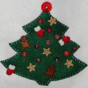 Craft Project: Holiday Felt Wall Hanging