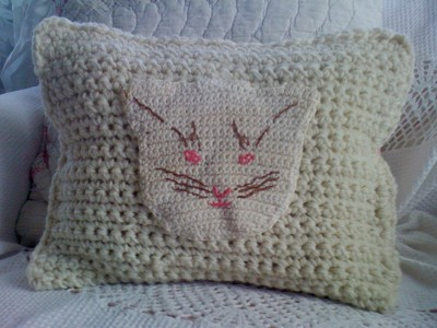 Craft: Vintage Potholder Pillow