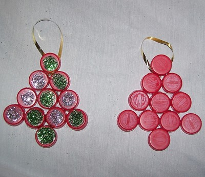Two ornaments with glitter and without