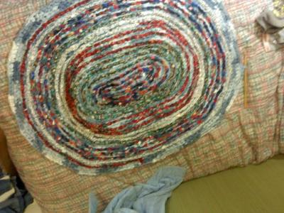 RE: Craft Project: Crocheted Blue Jeans Rug