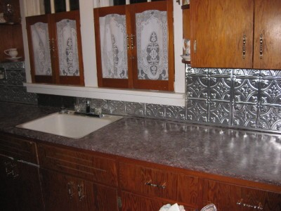 painting laminate countertops thriftyfun. Black Bedroom Furniture Sets. Home Design Ideas