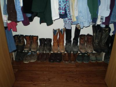 RE: Simple Shelf to Organize Shoes