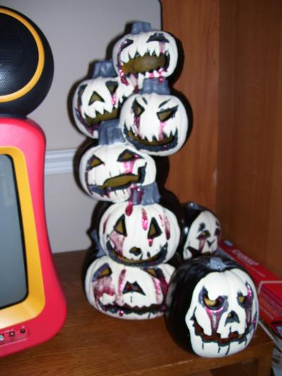 RE: Refurbish Old Plastic Pumpkins With Paint