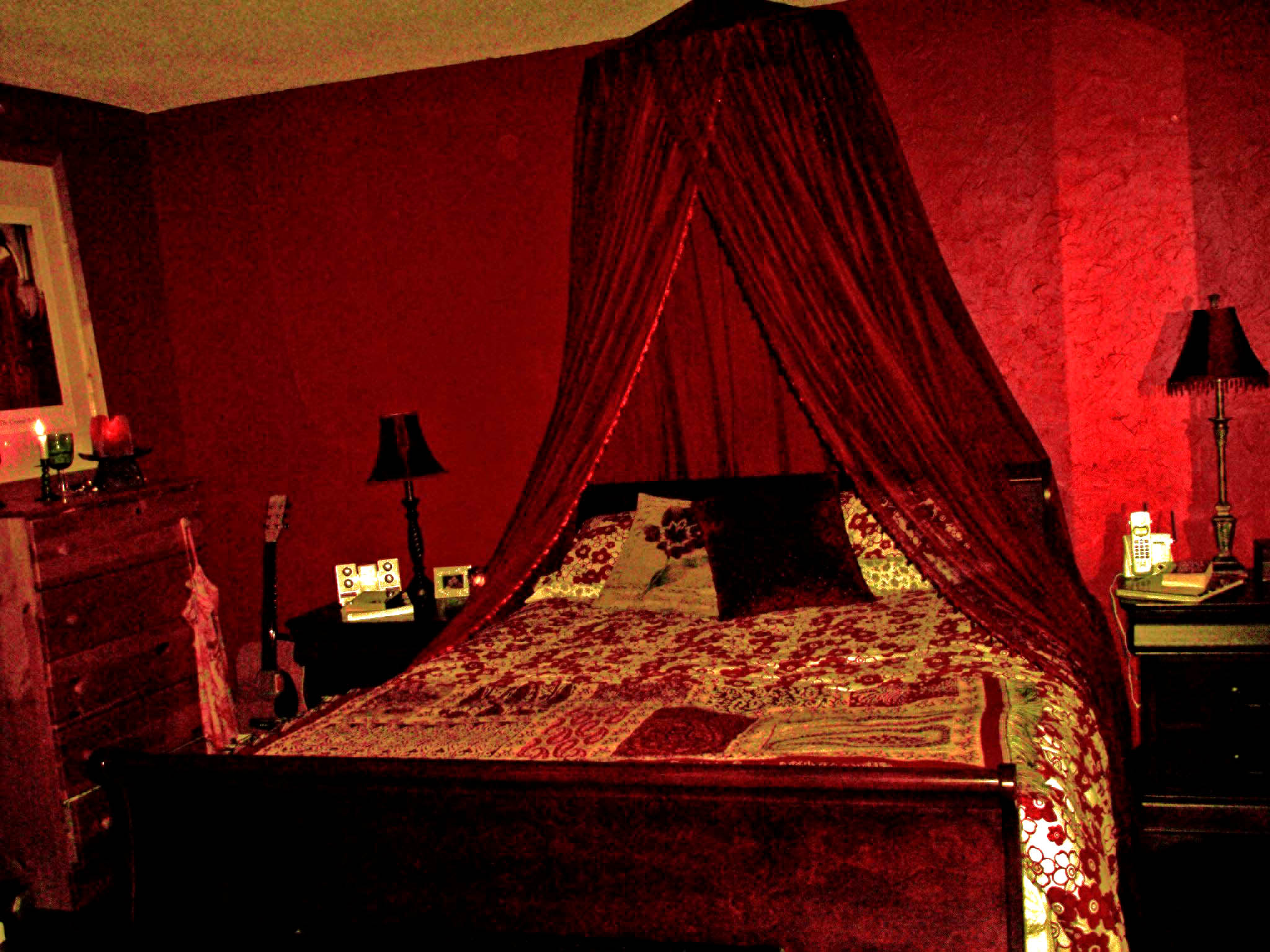 Decorating A Red Bedroom Thriftyfun
