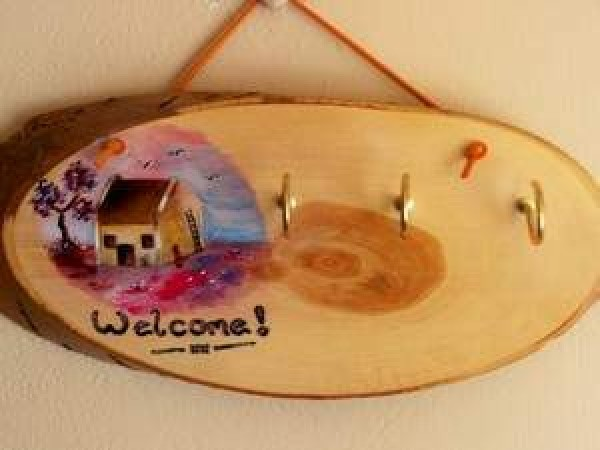 photo of a Hand-Painted Key Holder