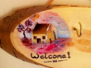 Phot of a Hand-Painted Key Holder
