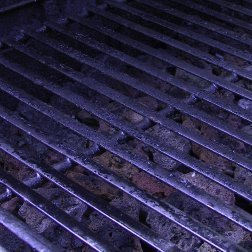 Dirty BBQ grill grate