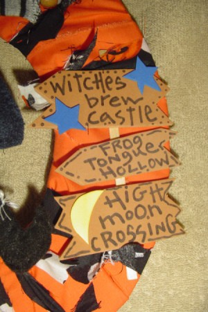 Witch Wreath Signs 2