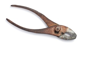 A photo of rusty pliers.