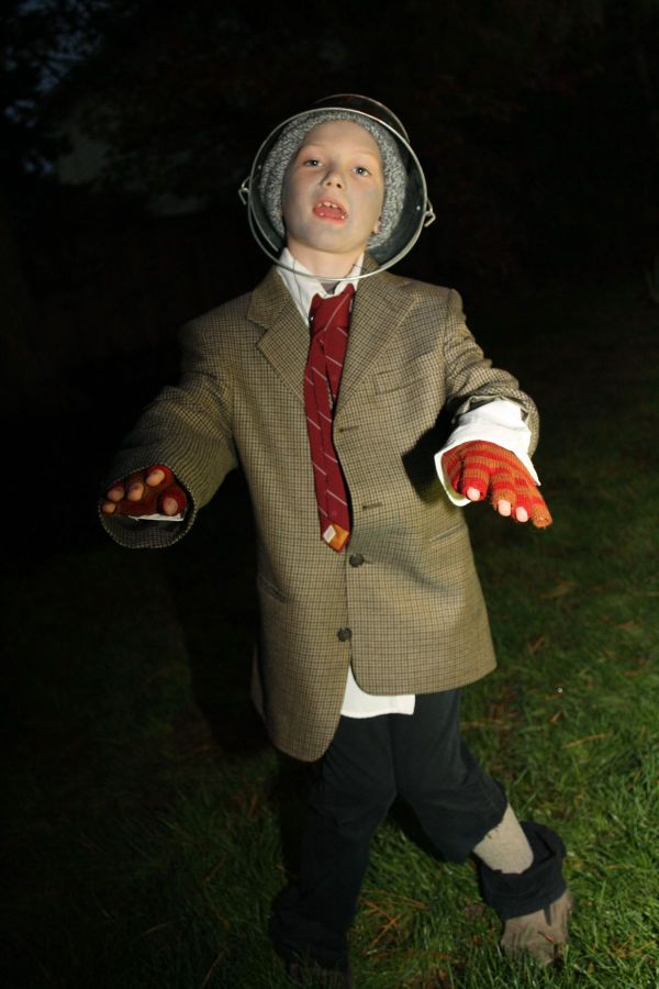 how to create a homemade zombie costume