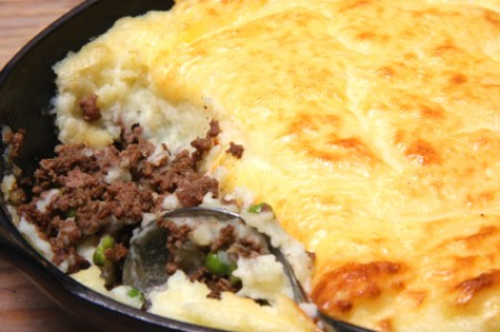 Shepherd's Pie Recipes, A classic mash potato topped shepaherd's pie.