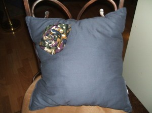 Tie Rose Pin on Pillow