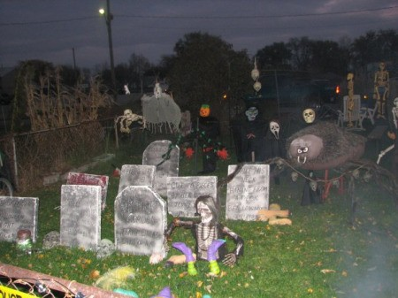 halloween ideas for the yard decorating your yard for halloween thriftyfun - Cheap Halloween Yard Decorations