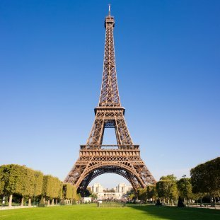 A picture of the Eiffel Tower.