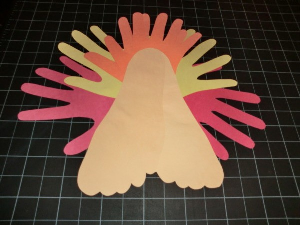 Front view of turkey with completed tail.