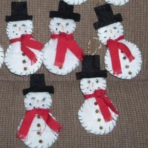 Reusing Dryer Sheets, Cute snowmen made out of reused dryer sheets.