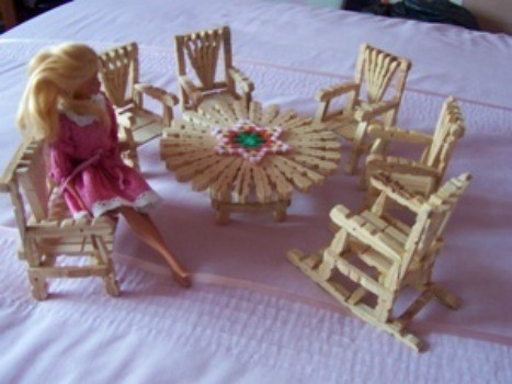 Doll furniture made out of clothespins.
