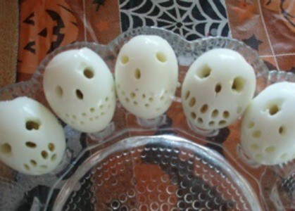 Photo of skull deviled eggs.