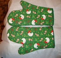 Photo of finished oven mitts.