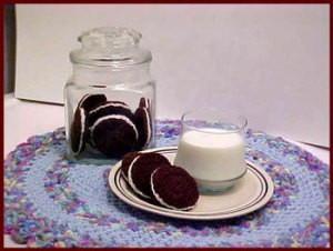 Crochet Oreo Cookies With Milk