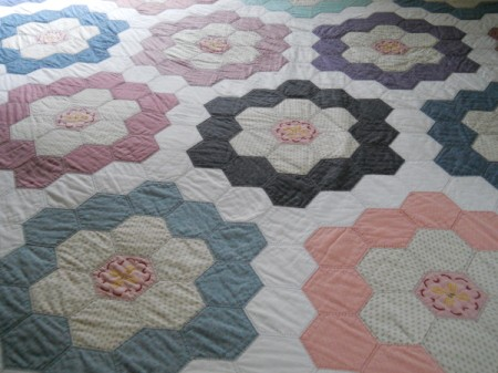 Flower Garden Quilt: Flower blocks.