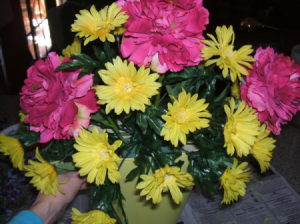 Arrangement with the large and medium flowers.