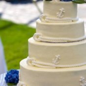 Cake with ropes and small anchors on it.
