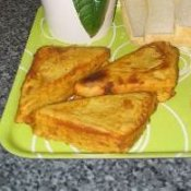 Bread Pakora - potatoes and bread with finished pakora.