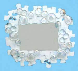 Jigsaw puzzle piece picture frame