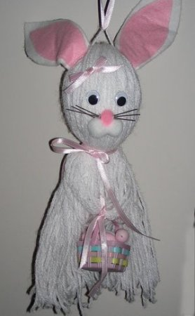 Hanging white yarn bunny.