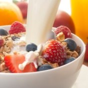 Quick Breakfast Ideas, Healthy muesli breakfast with milk
