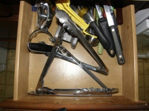 Organizing Tongs Before