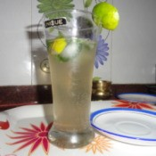 Lemon Mint Crusher beverage in a glass.