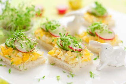 Canape with Egg and Vegetables