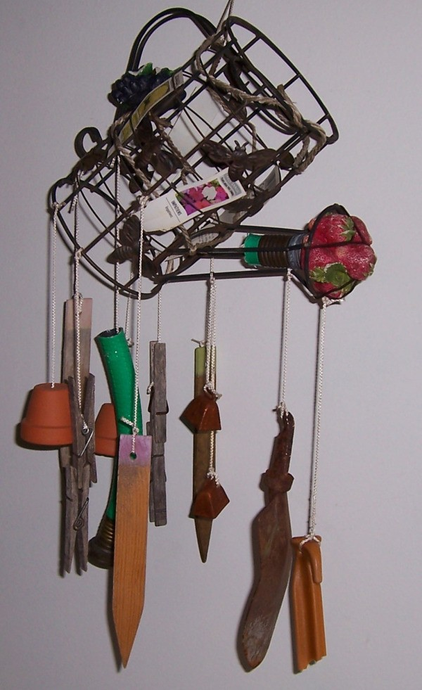 Recycled garden wind chimes thriftyfun for Wind chimes from recycled materials