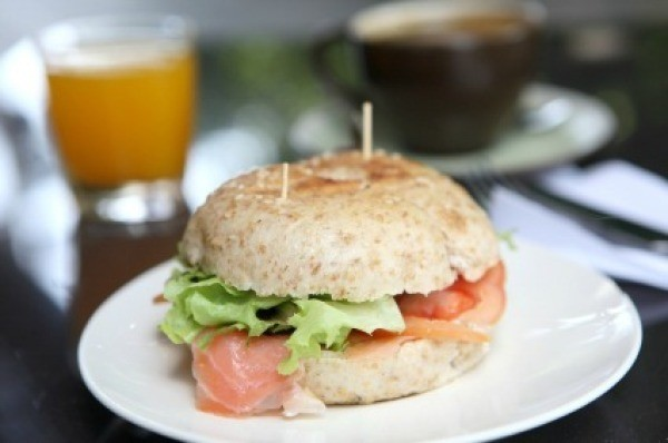 Bagel with smoked salmon.