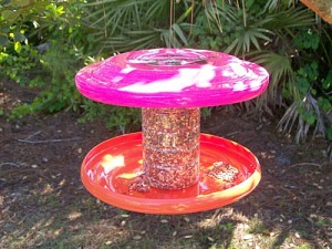 Recycled Frisbee Bird Feeder
