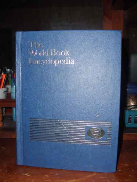 Blue cover volume, P, World Book encyclopedia.