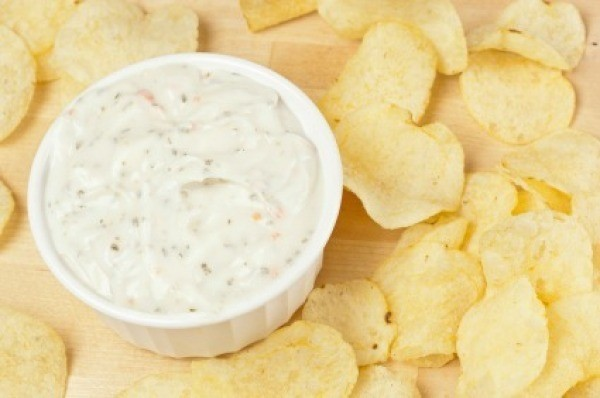 Potato Chips With Ranch Dressing Dip