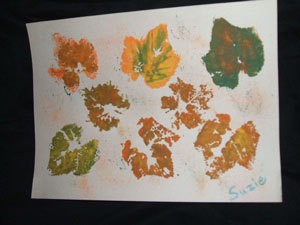 Leaf print mats with fall colors.