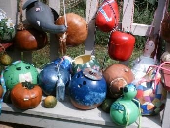 Crafts using gourds