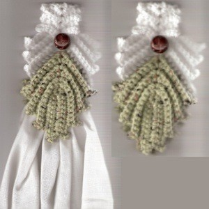Venetian Leaf Crocheted Towel Topper