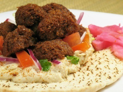 A meatless recipe of felafel and nan bread.