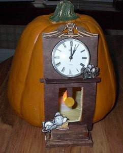 Hickory dickory dock pumpkin decoration.