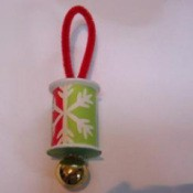 Ornament with snowflake motif paper.
