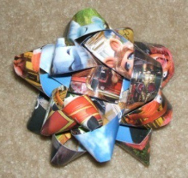 Christmas bows made from magazines.