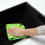 Cleaning a Smooth Cooktop Range