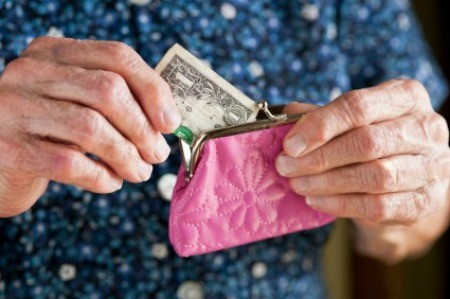 Putting Money in Change Purse