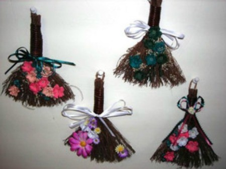 Small Broom Wall Decor