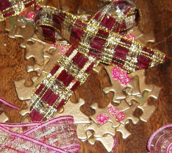 Puzzle ornament closeup.